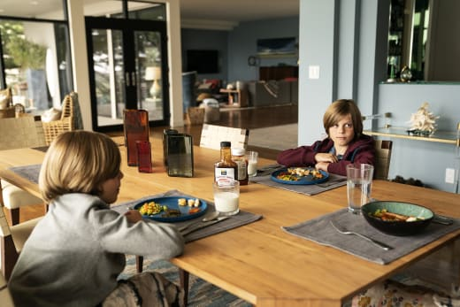 Twins at the table big little lies s2e5
