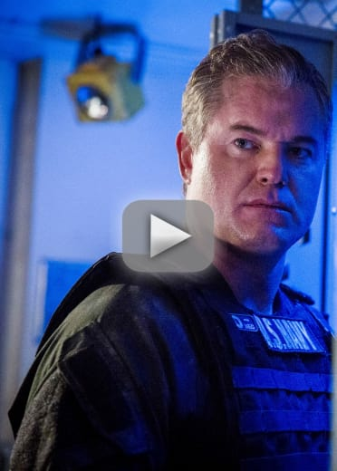 Up against a wall the last ship s5e8