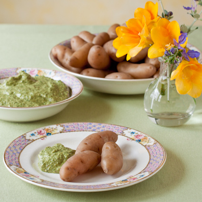 Roasted fingerling potato with pesto dipping sauce