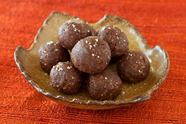 Pecan-date-cacao truffles with Kona liqueur | Gluten-free, paleo, whole foods | Recipe Renovator
