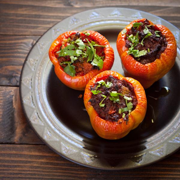 Beefy stuffed peppers from Recipe Renovator | paleo, gluten-free, grain-free, low-sodium, dairy-free