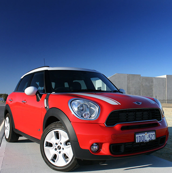 Auto-assist-Mini-Cooper-Countryman-2013-1