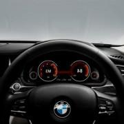 Auto-assist-t-BMW-740-Li-1