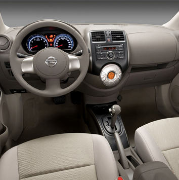 Autobahn-Nissan-Sunny-2014-1