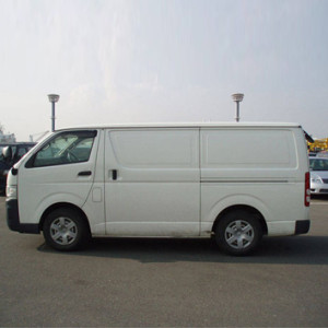 Autobahn-Toyota-Hiace-Deliver-Van-3