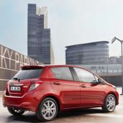Blue-bird-Toyota-Yaris-Hatchback-2012-1