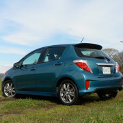 Blue-bird-Toyota-Yaris-Hatchback-2012-2
