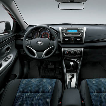 Cochin-star-Toyota-Yaris-2014-sedan-2