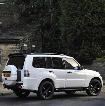 Future-Mitsubishi-Pajero-2013-2
