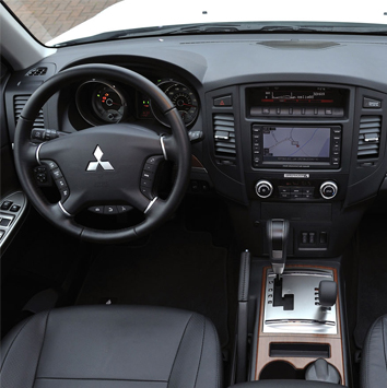 Future-Mitsubishi-Pajero-2013-3