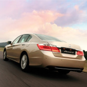 Honda-accord-2013-al-falah-3