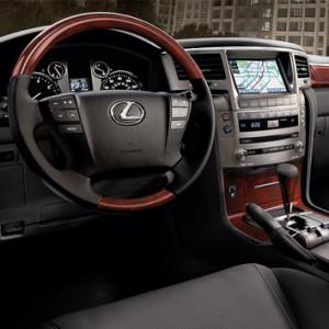 Lexus-LX-2015-3d-rent-a-car-3