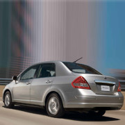 Mex-Nissan-Tiida-2013-2