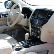 Nissan-pathfinder-2015-3d-rent-a-car-1