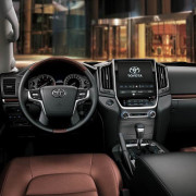 Toyota-Land-Cruiser-2016–3d-rent-a-car-2