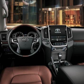 Toyota-Land-Cruiser-2016–3d-rent-a-car-2