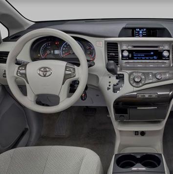 Toyota-previa-2013-al-falah-3