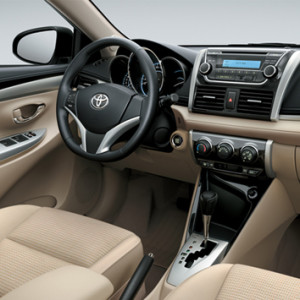 Toyota-yaris-2013-3d-rent-a-car-3