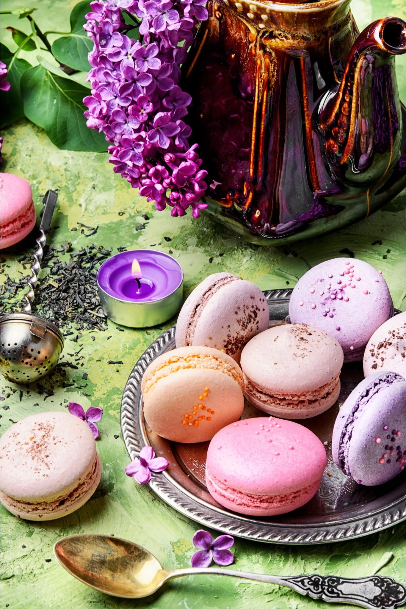 sweet-french-macaroons-PQWW93U