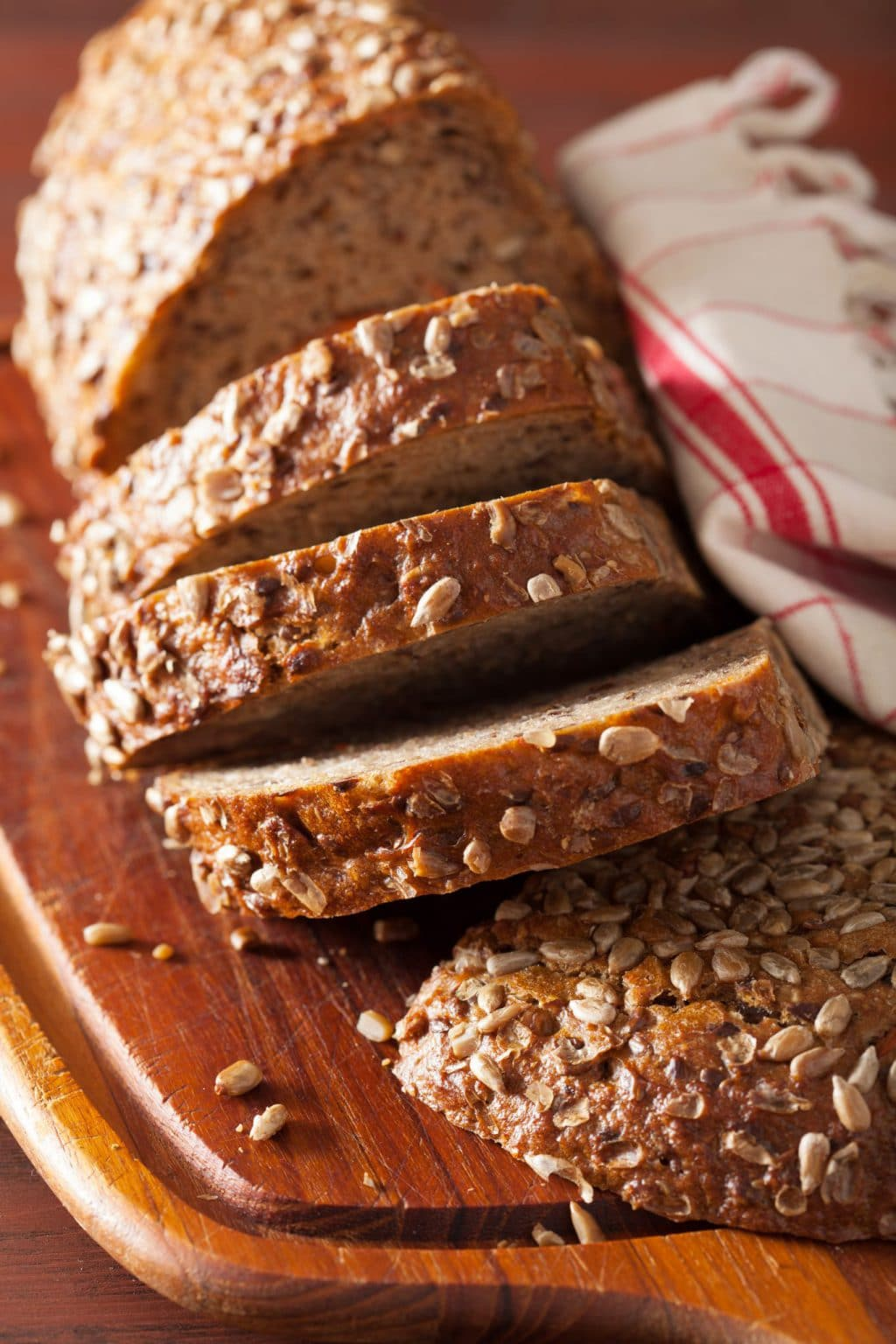 healthy-whole-grain-bread-with-carrot-and-seeds-PBZAFUV