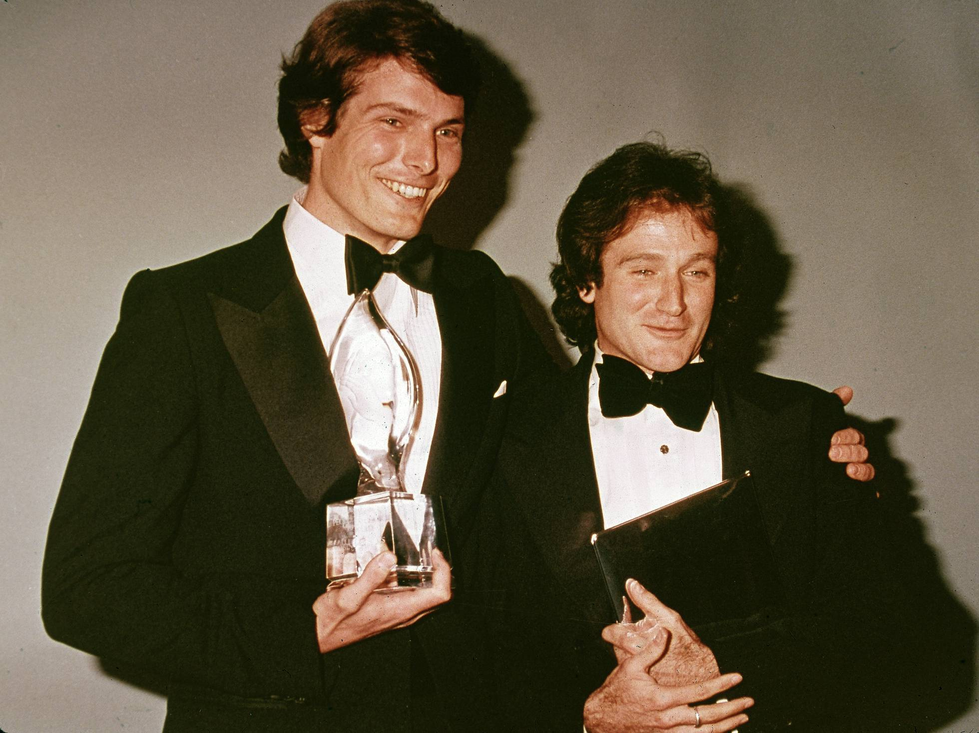 Christopher Reeve with his friend, actor Robin Williams, at the backstage of the People's Choice Awards in 1979. Photo: Getty