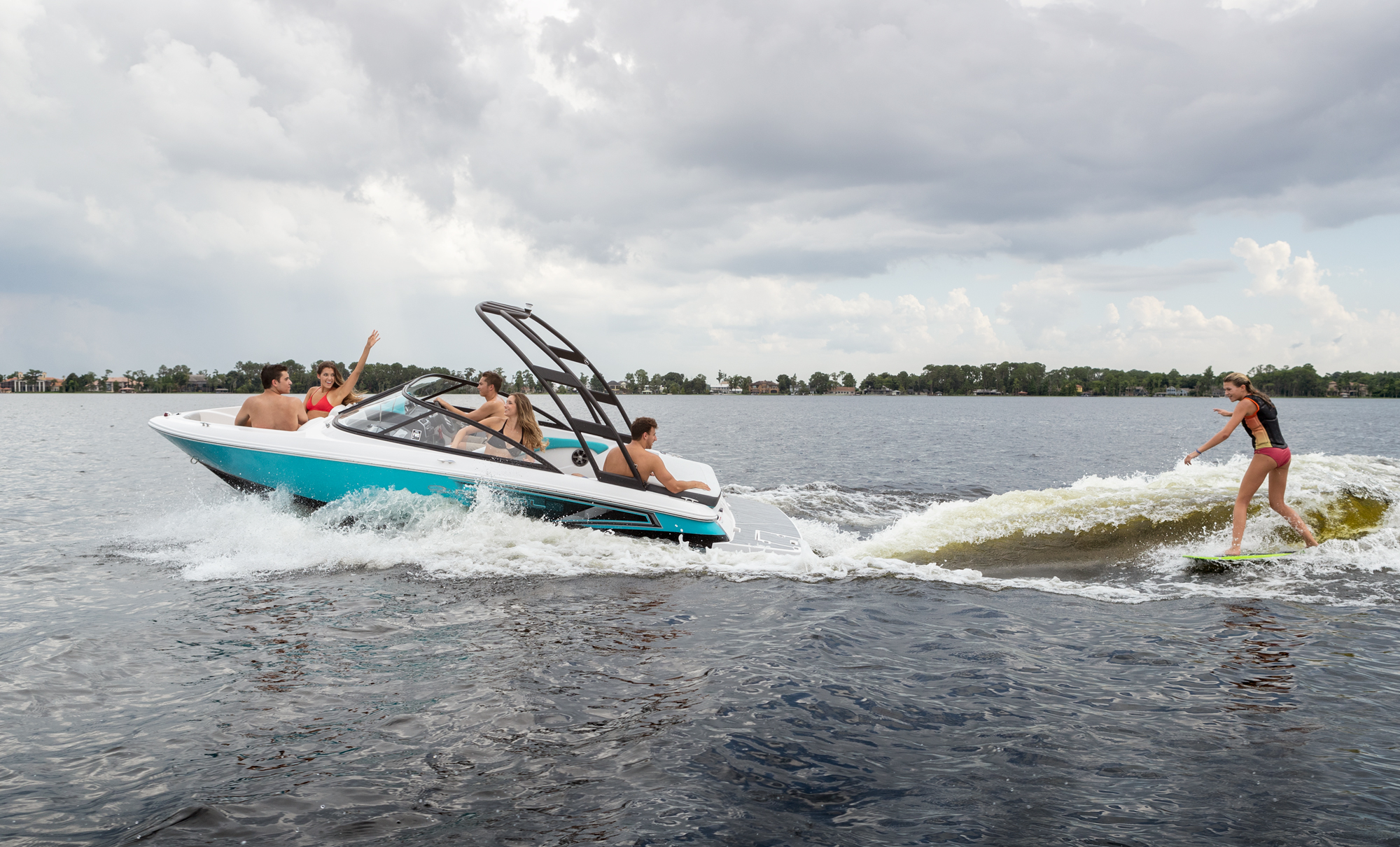 19 Surf - Regal Boats Overview