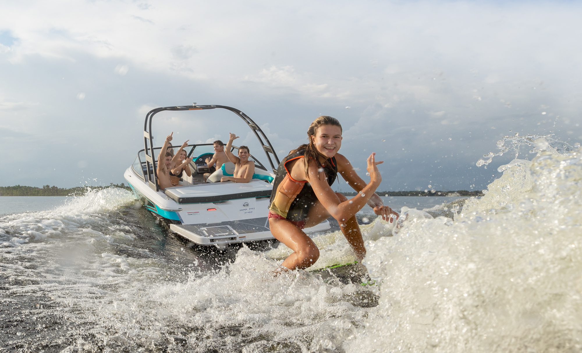 19 Surf Regal Boats Overview