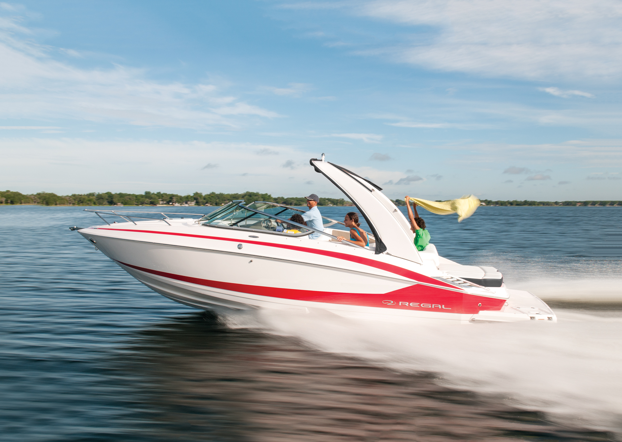 2550 - Regal Boats Overview