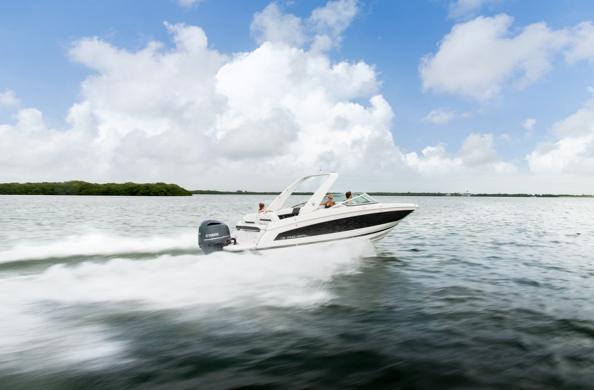 26 OBX - Regal Boats Overview