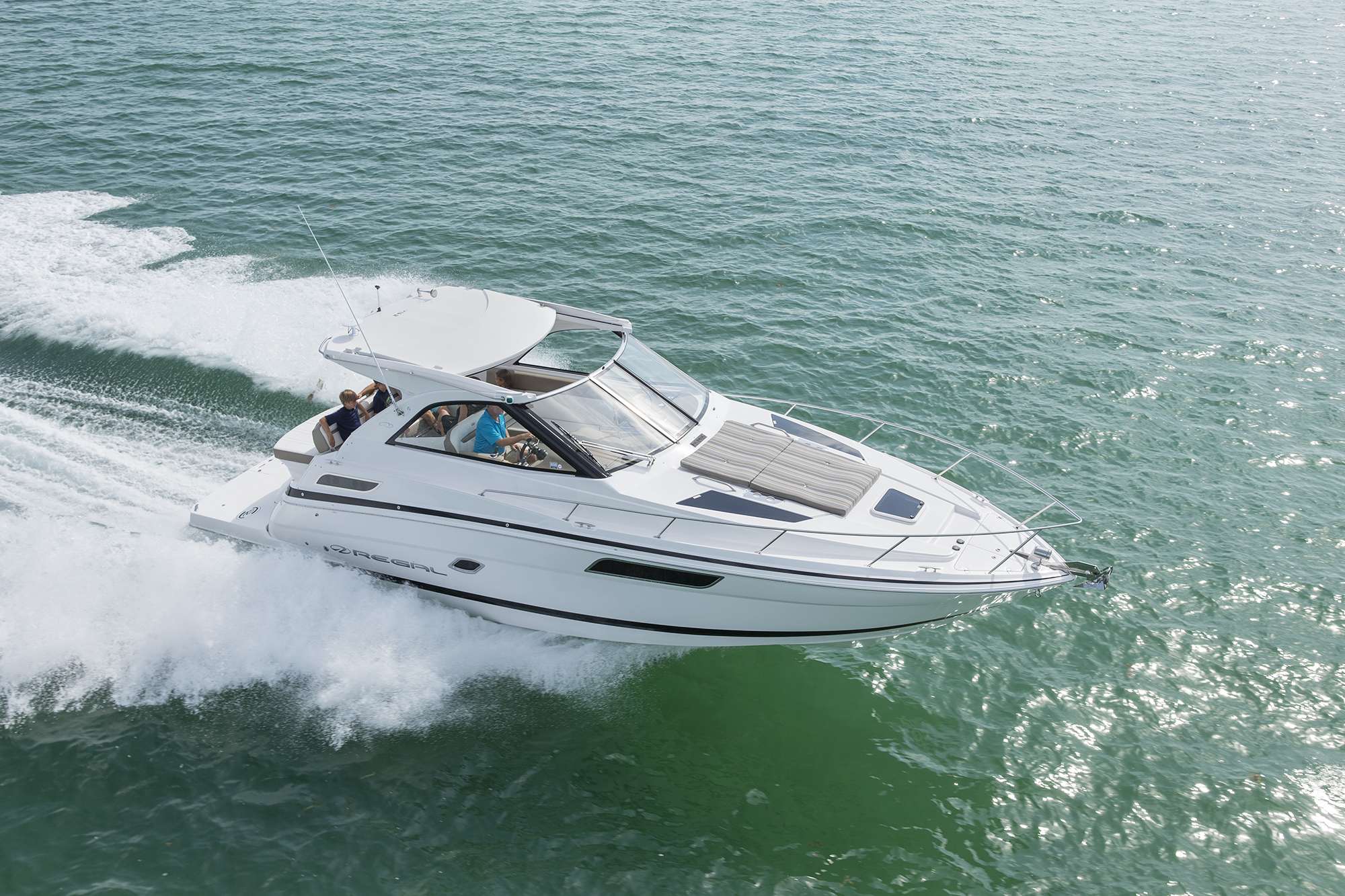 35 Sport Coupe - Regal Boats Overview