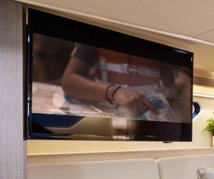 "32"" TV with Innovative 90 Degree Folding Hinge"