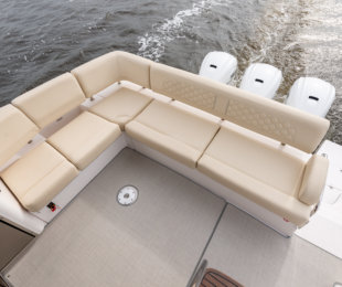 L-Shaped Seating Aft and Starboard