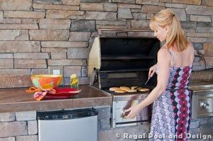 HOW TO PLAN YOUR ULTIMATE OUTDOOR KITCHEN