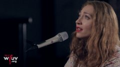 Regina Spektor - '8th Floor' (Live at WFUV)-PA2BpMvneds