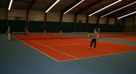 Mid_tennis_baan_yannick1__large