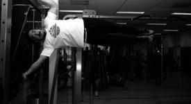 Mid_vital_fitness_en_sportschool_delft_calisthenics_vlag_edited1
