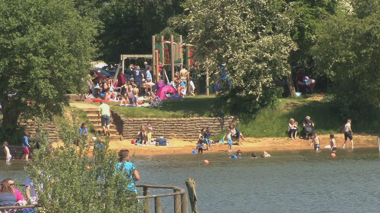 Cotswold Country Park & Beach at Cotswold Water Park. Cotswold TV ...