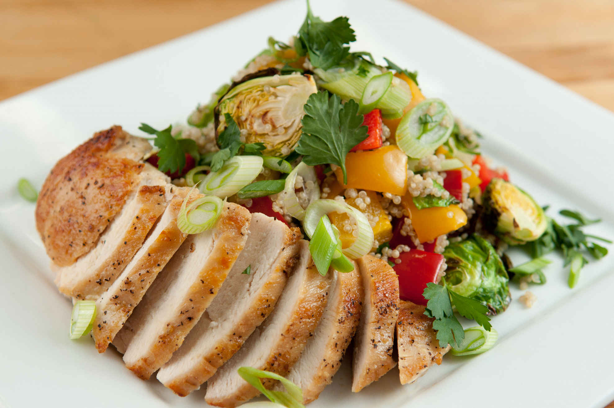 Chicken_quinoa_salad_plated