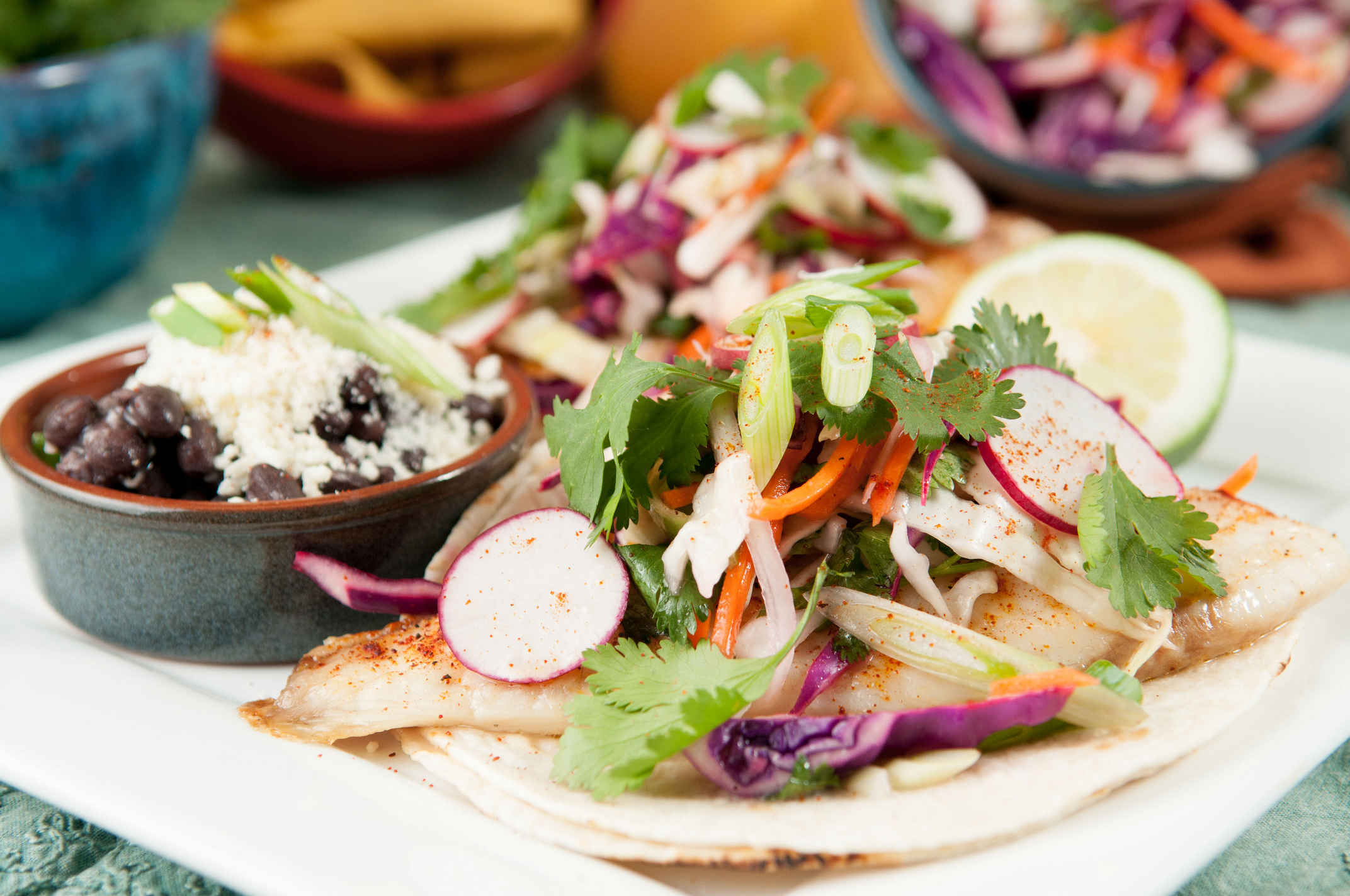 Fish_tacos_with_lime_slaw_plated