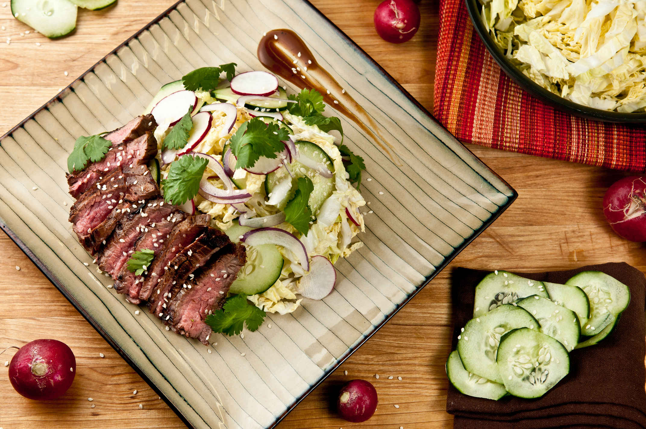 Hoisin_steak_salad_plated