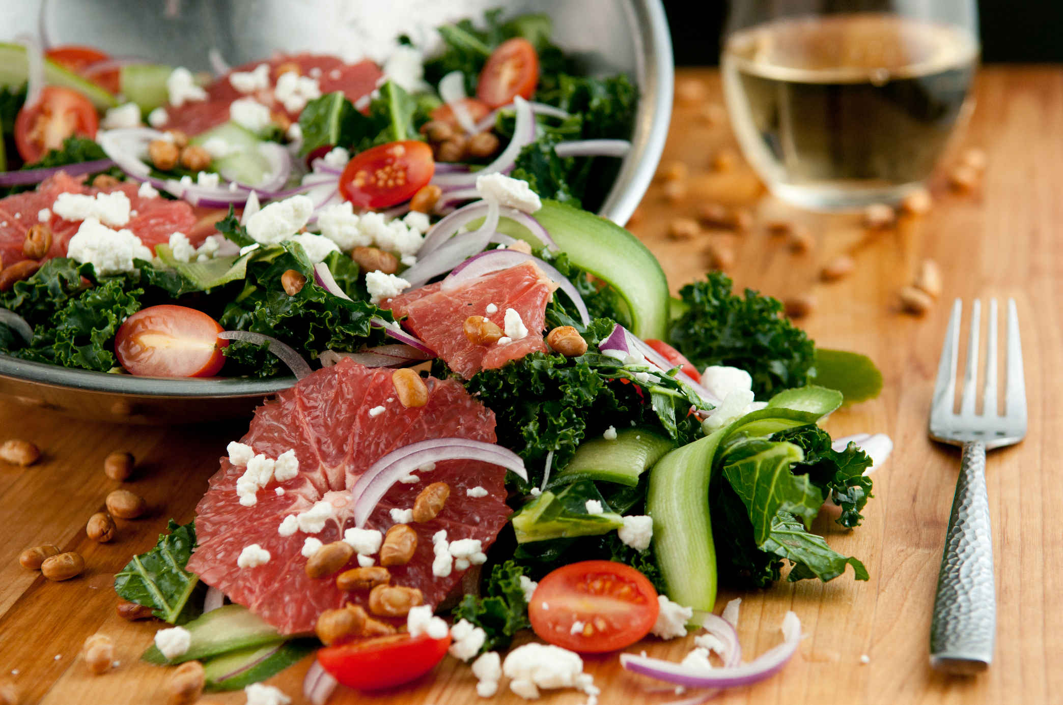 Kale_and_ruby_red_grapefruit_salad_plated