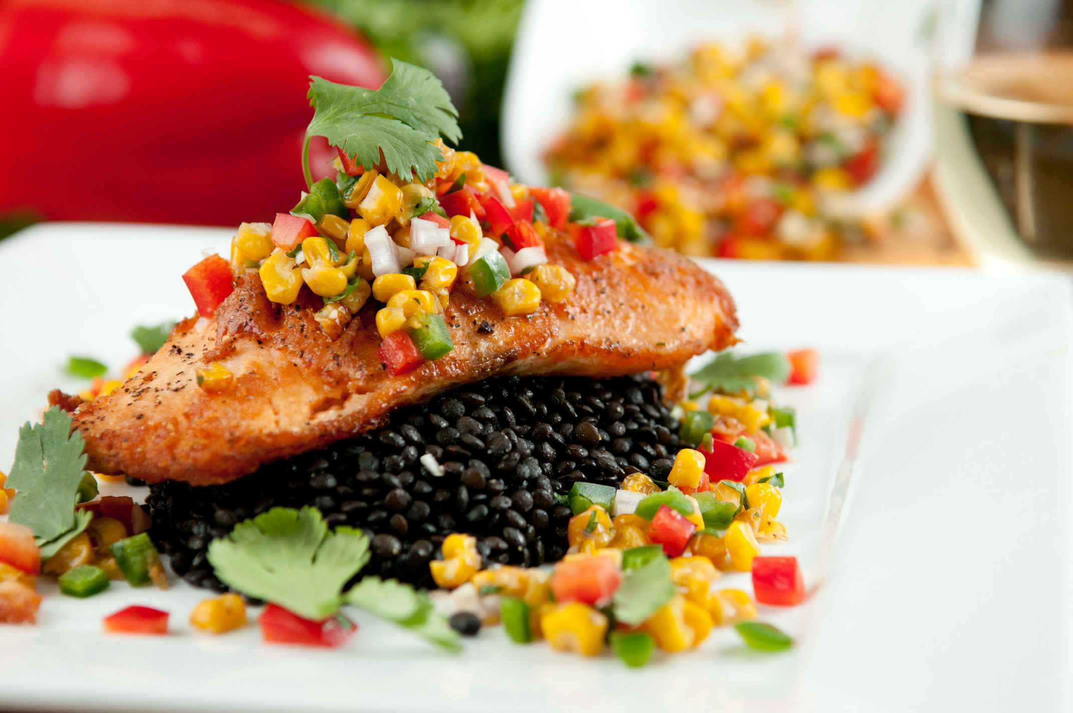Pan_seared_salmon_with_corn_salsa_plated