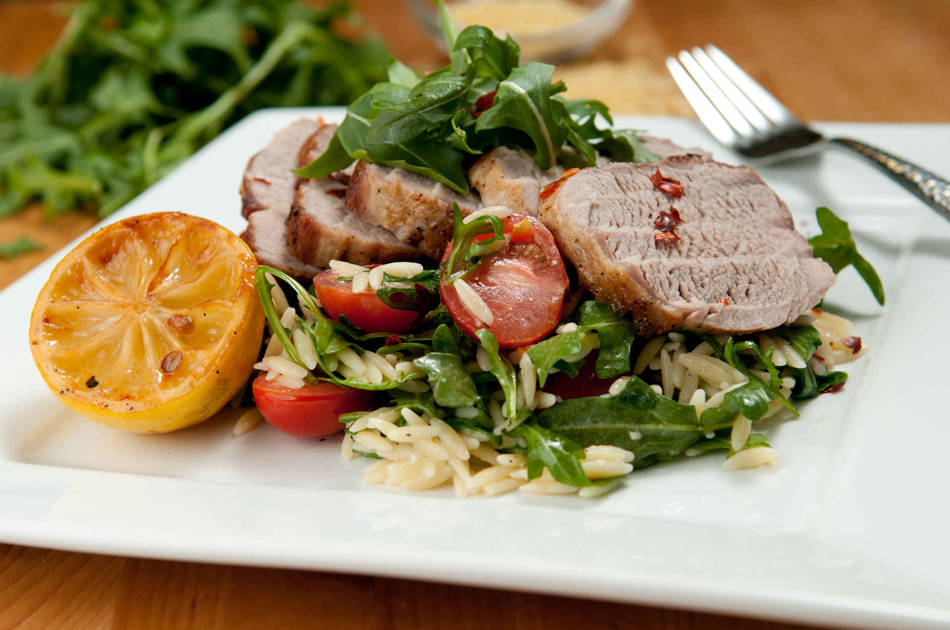 Pork_tenderloin_with_orzo_plated