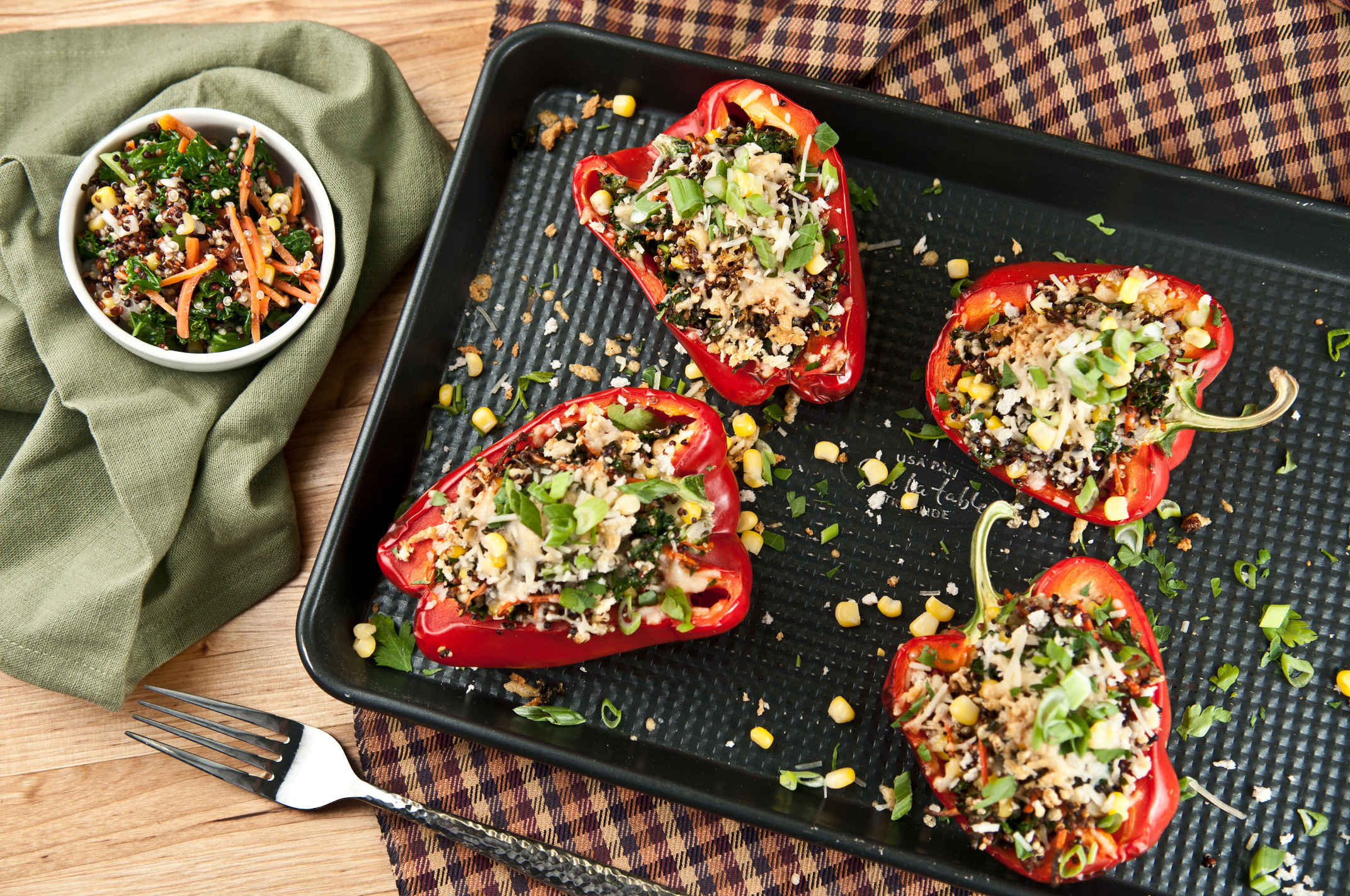 Quinoa_stuffed_red_pepper_plated