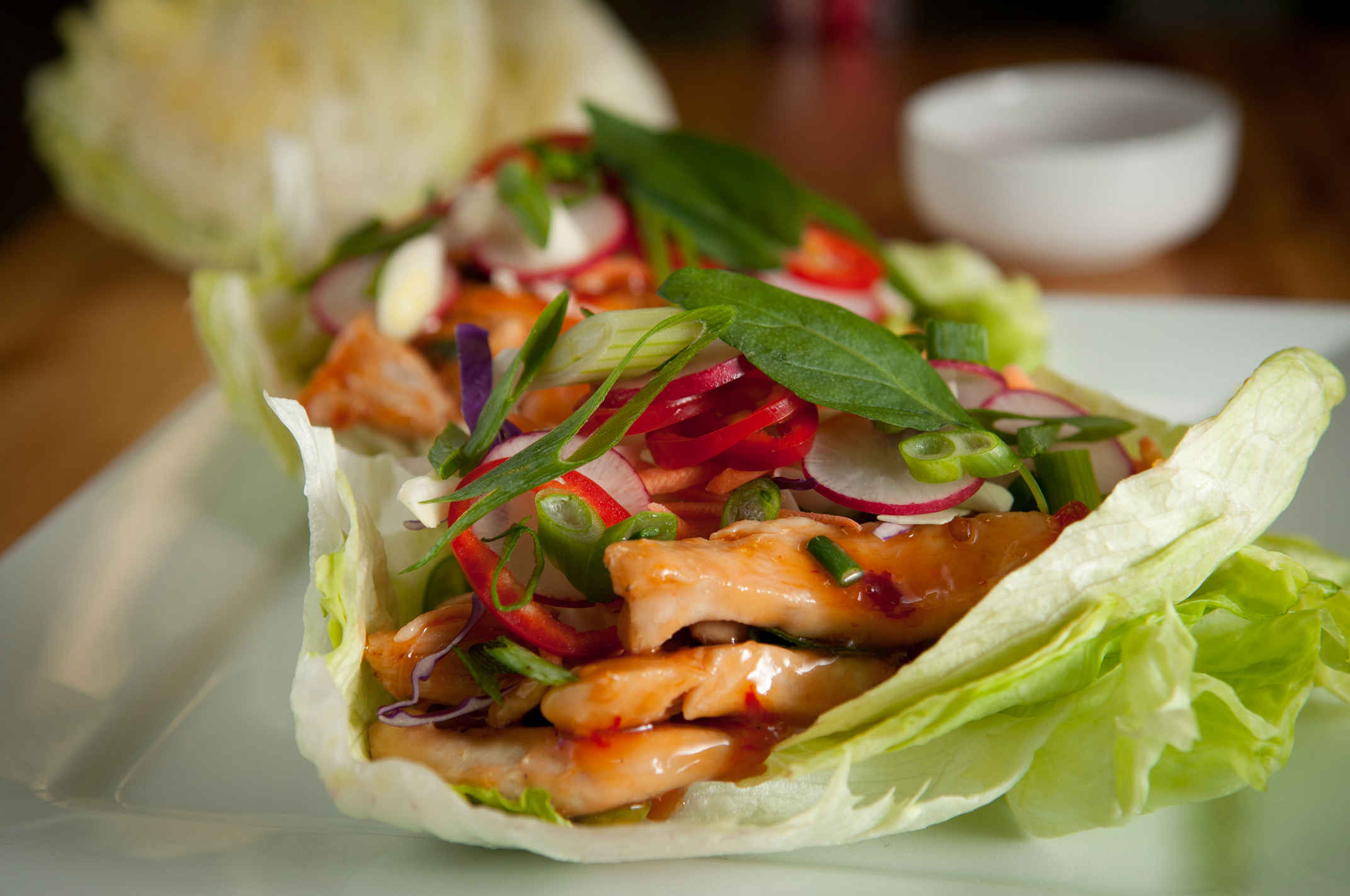 Thai_chicken_lettuce_wraps_plated
