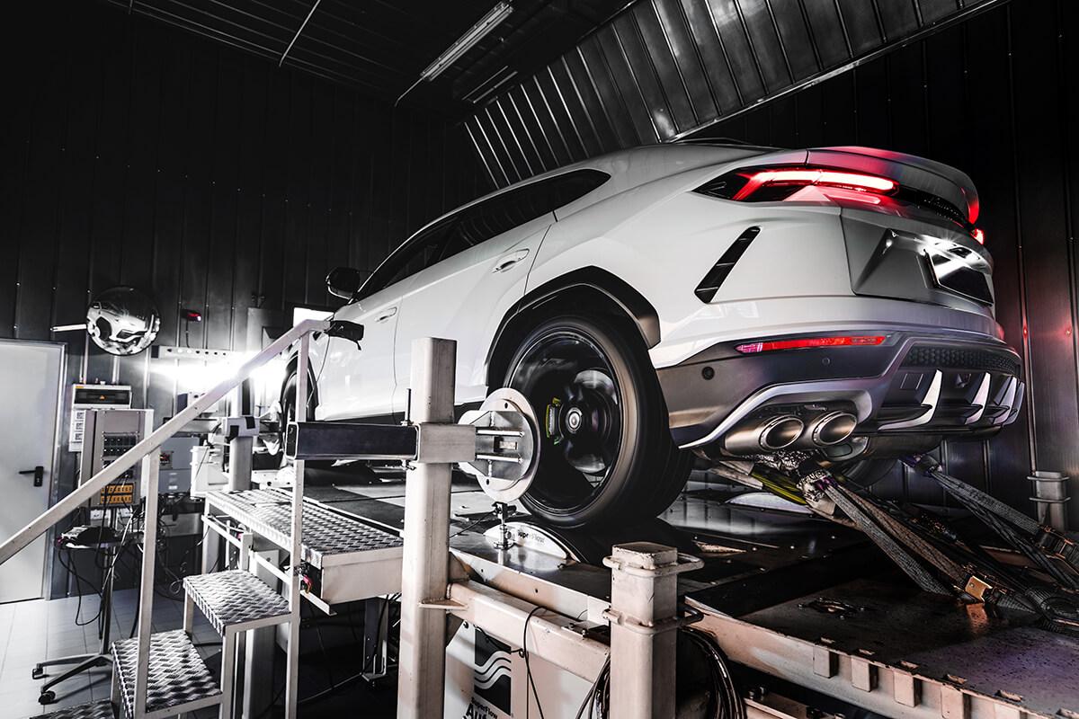 Lamborghini Urus Racing Exhaust