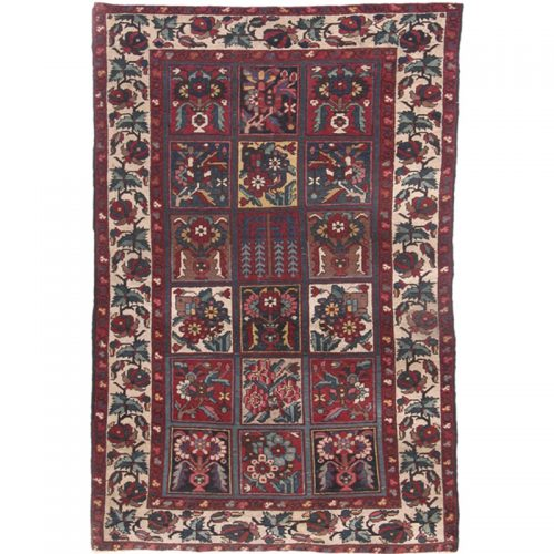 Antique Hand-woven Persian Bakhtiari Rug 4.3 x 6.7