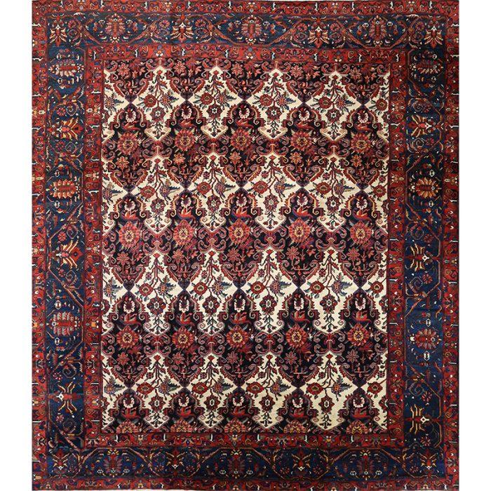 A107484 - Antique Persian Bakhtiari 14.0x16.3