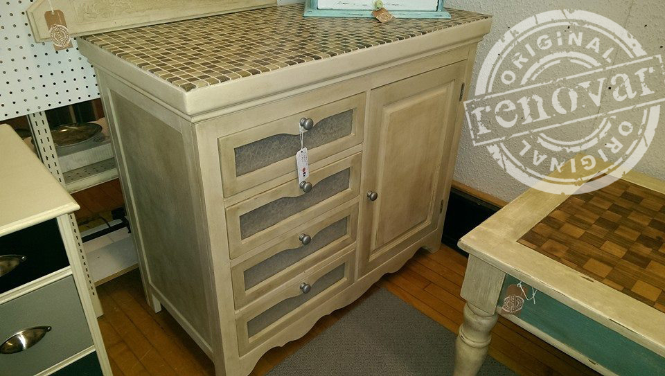 baby-changing-table-repurposed-in-booth