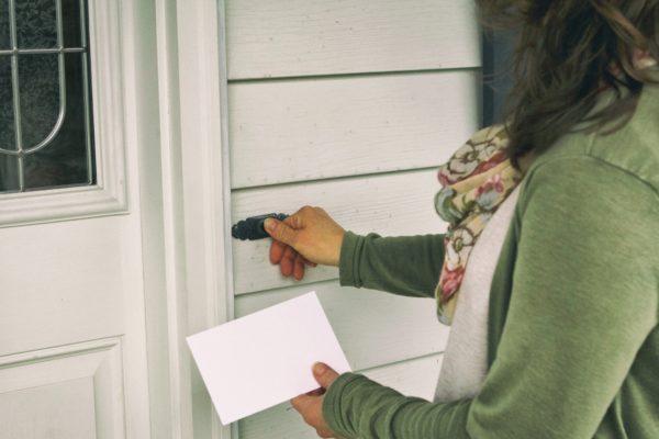 2018 04 20 Woman Ringing Doorbell